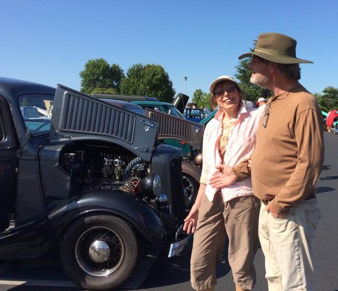 2019 - Garden lady and boyfrien off Astor July 14)