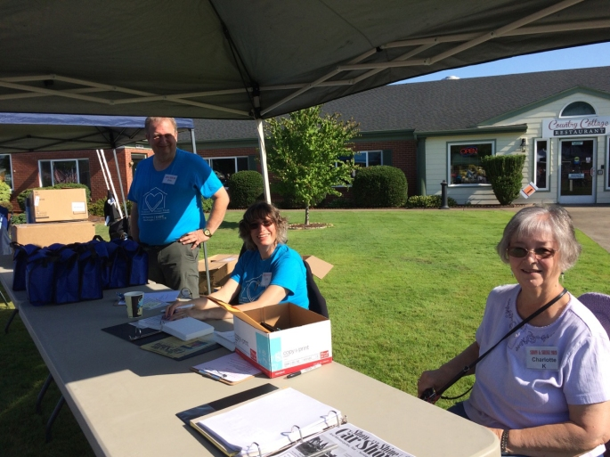 2019 - Volunteers - Eric and Lila from Kniipe and Charlotte King - July 14